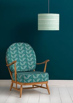 Love an old wooden ercol chair updated with a modern print fabric. Just sand back and upholster. Demi Rosette Fabric Source by pennyloveswool Ercol Sofa, Ercol Furniture, Retro Furniture, Upholstered Chairs, Chair Upholstery, Teal Cushions, Retro Bedrooms, Wayfair Living Room Chairs, Mid Century Furniture