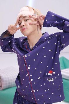 Image in Jimin-Park Jimin collection by BTS on We Heart It Jimin Jungkook, Jimin Run, Vlive Bts, Run Bts, Bts Bangtan Boy, Bts Boys, Seokjin, Hoseok, Namjoon