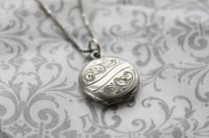 Vintage WWII Sterling Silver Small Round Bliss Brothers Locket on Sterling Chain