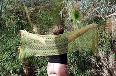 palm fronds shawl. Pattern at link. I want to bookmark to remember to use this yarn for another project.