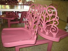 Pink Sweetheart Chairs Pink chairs in a little ice cream shop in Venice Florida Pink Restaurant, Restaurant Chairs, Venice Shopping, Shabby Chic Boutique, Venice Florida, I Believe In Pink, Painted Chairs, Florida Vacation, Everything Pink