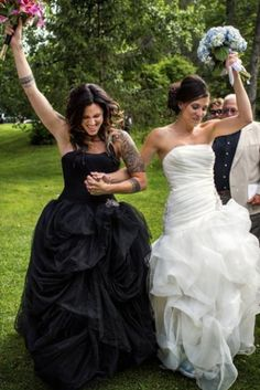 These gay wedding photos are brimming with life, laughter and love! | Tracey Buyce Photography