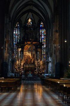 シュテファン大聖堂の中
