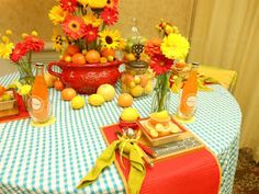 Cheerful summer table setting Table Settings, Table Decorations, Creative, Summer, Inspiration, Home Decor, Biblical Inspiration, Summer Time, Decoration Home