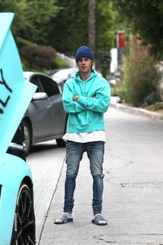 97aba0557c0 Justin Bieber News — May 11  Justin spotted out in Beverly Hills