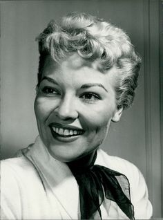 Vintage photo of Patti Page Patti Page, Celebrity Photos, Vintage Photos, Glamour, Singer, Contemporary, Stars, Best Deals, Sterne