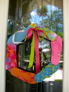 flip-flop wreath. because summer will be here eventually. so cute!