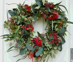 Australian Christmas ideas: At The Kids Are all Right we love this fresh wreath made from flora. - Australian website and forum for Australian Christmas Tree, Christmas Decorations Australian, Aussie Christmas, Summer Christmas, Xmas Decorations, Christmas Themes, White Christmas, Christmas Island, Christmas Cactus