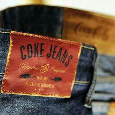 Estamos sempre nos reinventando e amamos todos os pequenos detalhes. Genuine and Original. #CocaColaJeans Garra, Leather Label, Leather Jeans, Fashion Tag, Hang Tags, Label Design, Mens Clothing Styles, Lucky Brand, Stickers
