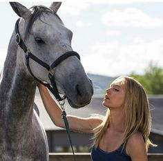 Amber Marshall as Amy Fleming on the hit Canadian drama Heartland
