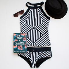 SPRING BREAK! What to read? What to wear?/Delicious Reads