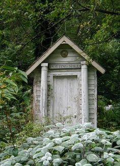 quaint lil garden shed Outdoor Sheds, Outdoor Gardens, Greenhouse Shed, Potting Sheds, Potting Benches, Garden Pots, Garden Sheds, Brick Garden, Wooden Garden