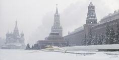 Crash vaisseaux Star Wars par Nicolas Amiard : devant le Kremlin à Moscou