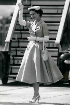 Princess Margaret's iconic style in 22 inspiring snapshots Princess Margaret Young, Princess Elizabeth, Princess Margaret Scandal, Margaret Rose, Princess Kate Middleton, Intelligent Women, Real Princess, Timeless Elegance, Royal Fashion