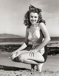 Norma Jeane photographed by Andre de Dienes, 1945.