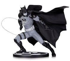 DC Statue Batman Black & White By Ivan Reis: Image 1
