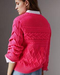 Burberry #knit #knitting #knitted #knitstagram #knitstyle #knittinginspiration #knittinglove #knitting_inspiration #inspiration #sweater #cardigan #mezgimas #вязанаямода #вязаныйстиль #вязание #модноевязание #стильноевязание #свитер #вяжутнетолькобабушки