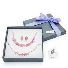 Carla Brillanti - Made with SWAROVSKI ELEMENTS  #cadouricraciun #cadouri #femei #swarovskielements   www.carlabrillanti.ro #crystal #jewelry #Crystal #Fashion  #Design #moda #accessorie