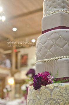 Grey & Purple Wedding Cake...thinking of future wedding cake<3