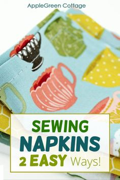Freshen up your home with super-simple diy cloth napkins. These easy napkins wash easily, are quick to sew, and best of it: they make your dining table look adorable! See how to make napkins - 2 easy ways! Diy cloth napkins are one of the easiest ways to add color and class to your table. I find these two ways to sew these reusable napkins the best. Diy home decor you'll actually use - get the tutorial now. Potholder Patterns, Pouch Pattern, Easy Quilt Patterns, Easy Sewing Patterns, Easy Sewing Projects, Sewing Projects For Beginners, Sewing Tutorials, Simple Bags, Simple Diy