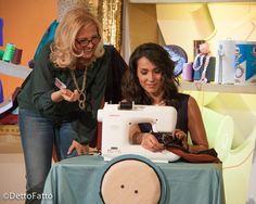 Lezione di cucito durante la puntata del 19-3-2015 della trasmissione #DettoFatto su Rai 2