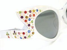 7f9dd0911fd Vintage Rhinestone Cat Eye Sunglasses 1950s 60s Wild Rhinestone Frame