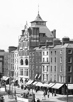 Dublin Bread Company, O'Connell Street this odd building was destroyed during the 1916 rebellion. Dublin Street, Dublin City, Dublin Ireland, Ireland Travel, Old Pictures, Old Photos, Vintage Photos, Images Of Ireland, Ireland Pictures