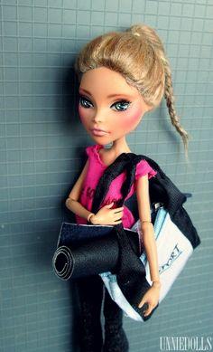 Gym girl (OOAK Cleo de Nile doll)