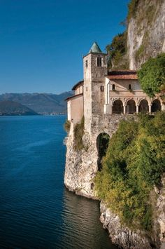 Eremo Santa Caterina del Sasso, Lake Maggiore, Italy Oh The Places You'll Go, Places To Travel, Places To Visit, Travel Pics, Wonderful Places, Great Places, Beautiful Places, Italian Lakes, Famous Castles