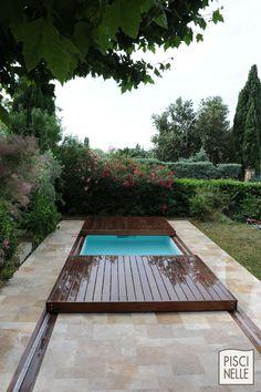 Quelque soit le temps extérieur, votre couverture de piscine mobile protégera au mieux votre bassin.