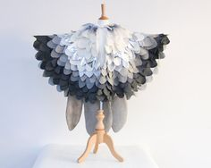 Silver Grey Snow Owl Costume, Bird Cape by Atelier Spatz #kidscostumes #birdcape #aspecialchristmas