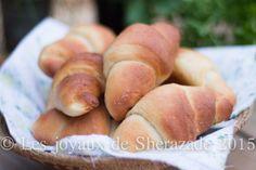 pain ultra moelleux en croissant Croissant, Crescent Rolls, Dinner Rolls, Hot Dog Buns, Hamburger, Bread, Recipes, Desserts, Food
