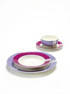 Porselein Pantone servies in 15 verschillende kleuren