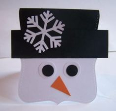 Super cute snowman card and I know my sister has this snowflake punch.  Might have to make some of these!!!
