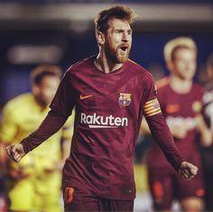 """19.1k Likes, 114 Comments - Mundo Deportivo (@mundodeportivo) on Instagram: """"¡Victoria de líder!  El #FCBarcelona vence 0-2 al Villarreal gracias a los goles de #LuisSuárez,…"""""""