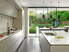 5 Staggering Useful Tips: Minimalist Kitchen Layout Floors minimalist home tour with kids.Colorful Minimalist Home Lounges minimalist kitchen cabinets lighting. Small Modern Kitchens, Modern Kitchen Design, Interior Design Kitchen, Interior Ideas, Modern Design, Modern Kitchens With Islands, Contemporary Kitchen Island, Open Kitchens, Family Kitchen