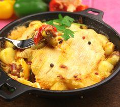 Recette Tartiflette au chorizo - Envie de bien manger. Plus de recettes à base de pommes de terre sur www.enviedebienmanger.fr/recettes/pomme%2520de%2520terre