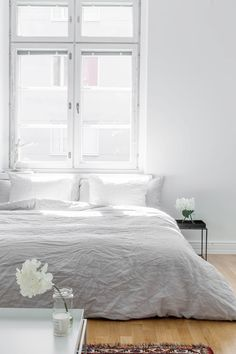 A plain white bedroom offers the beauty of modern simplicity which incorporates simple organic living. Airy Bedroom, Minimal Bedroom, Home Bedroom, Bedroom Decor, Bedroom Ideas, Bedroom Inspiration, Master Bedroom, Taupe Bedroom, Indie Bedroom