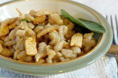 spätzle di topinambur: fare ricetta splatzle bianchi e aggiungere i tapinambur cotti al vapore e 1 bianco d'uovo in più