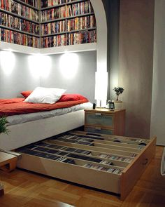bookshelves and under bed storage. This room is perfect, my dream room! Sweet Home, Small Space Solutions, Storage Solutions, Clutter Solutions, Storage Hacks, Under Bed, Home And Deco, Small Bedrooms, My New Room