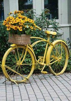 Bicicleta enfeitada  de Flores  ☺♥