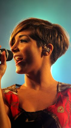 Frankie Sandford Goes For Some Volumised Layers And Highlights, 2011