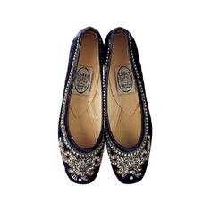 靴&バッグのカタログ検索   VOGUE.COM ❤ liked on Polyvore featuring shoes, flats, footwear, sapatos, flat pumps, flat shoes and flat heel shoes