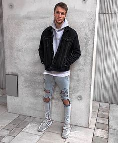 Style by @nilskretschmer_ Via @streetfitsgallery Yes or no? Follow @mensfashion_guide for dope fashion posts! #mensguides #mensfashion_guide