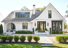 design exterior images 10 of the Most Popular Home Styles white modern house with curved patio archway House Paint Exterior, Dream House Exterior, Exterior Design, Facade Design, Exterior Colors, Types Of Houses Styles, Different House Styles, Types Of Homes, Home Exterior Makeover