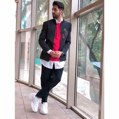 Indian Bollywood Actors, Bollywood Stars, Bollywood Celebrities, Actors Images, Dress Codes, Celebrity Crush, Mens Fashion, Fashion Trends, Menswear