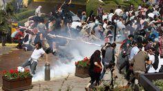 Türkei: Eine Ahnung von Tahrir in Istanbul | Gesellschaft | ZEIT ONLINE #occupyGezi #DirenGeziParki