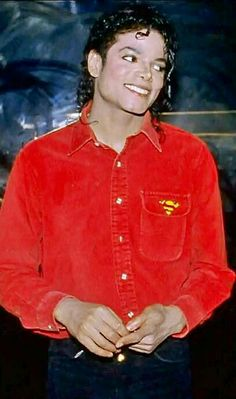 He's in red again! :) ♥