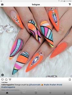 Abstract neon nail art by Laure b Funky Nail Art, Funky Nails, Neon Nails, Bling Nails, Cute Nails, Pretty Nails, Chrome Nails Designs, Black Nail Designs, Beautiful Nail Designs