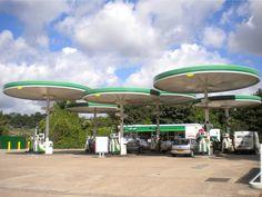 http://thebeautyoftransport.files.wordpress.com/2013/08/filling-station-birstall-leics-aug-2013-2.jpg
